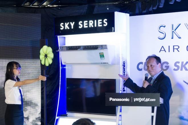Dieu hoa SKY Series Panasonic cat canh cung Vietjet hinh anh 2
