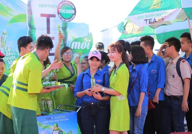 Hon 3.000 ban tre Da Nang tham gia tiep suc mua thi 2016 hinh anh 3