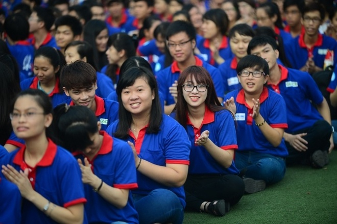 Hon 3.000 ban tre Da Nang tham gia tiep suc mua thi 2016 hinh anh