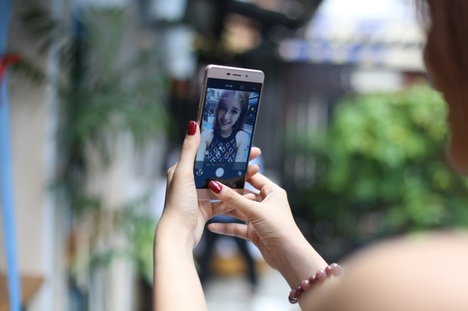 Coolpad Sky 3 - smartphone ho tro selfie chuyen nghiep hinh anh 3