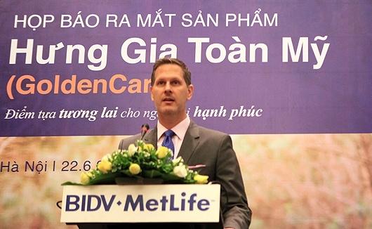 TGD BIDV MetLife: 'Thi truong bao hiem Viet Nam con tang' hinh anh