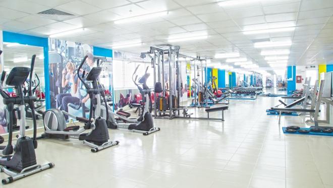 UEF mo phong gym hien dai cho sinh vien hinh anh 1