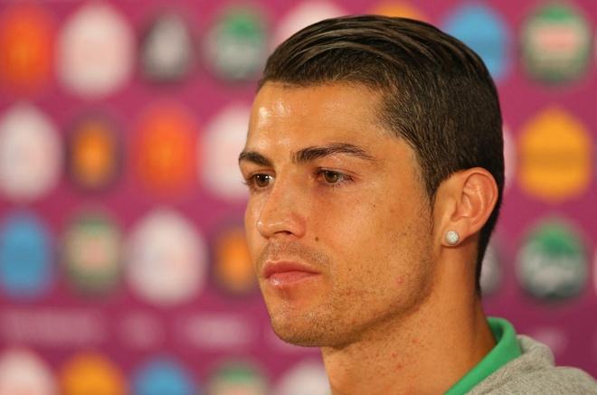 Thoi trang toc cua Cristiano Ronaldo hinh anh 6