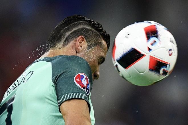 Thoi trang toc cua Cristiano Ronaldo hinh anh 2