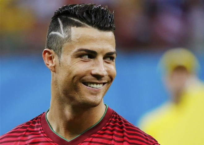 Thoi trang toc cua Cristiano Ronaldo hinh anh