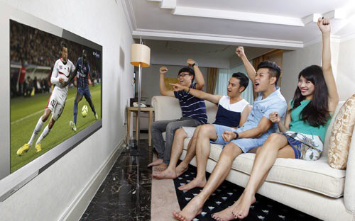 TV, smartphone ban chay mua Euro hinh anh 1