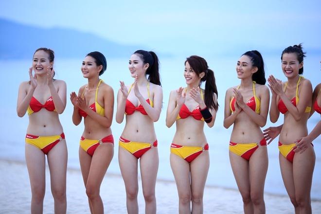 Thi sinh The Face dien bikini sexy tren bai bien hinh anh 10