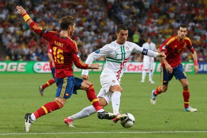 Su truong thanh cua Cristiano Ronaldo sau 4 mua Euro hinh anh 6