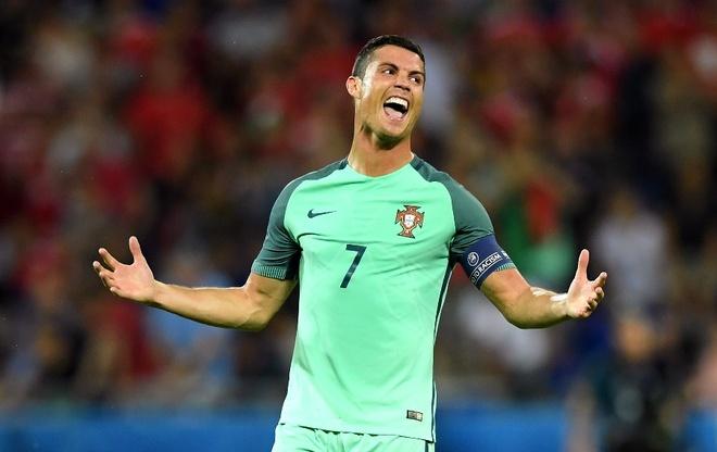 Su truong thanh cua Cristiano Ronaldo sau 4 mua Euro hinh anh 9