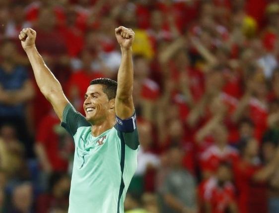 Cristiano Ronaldo noi tieng nhu the nao? hinh anh