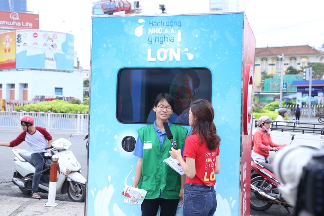Phi Nhung van dong 10 trieu lit nuoc sach cho mien Tay hinh anh 2