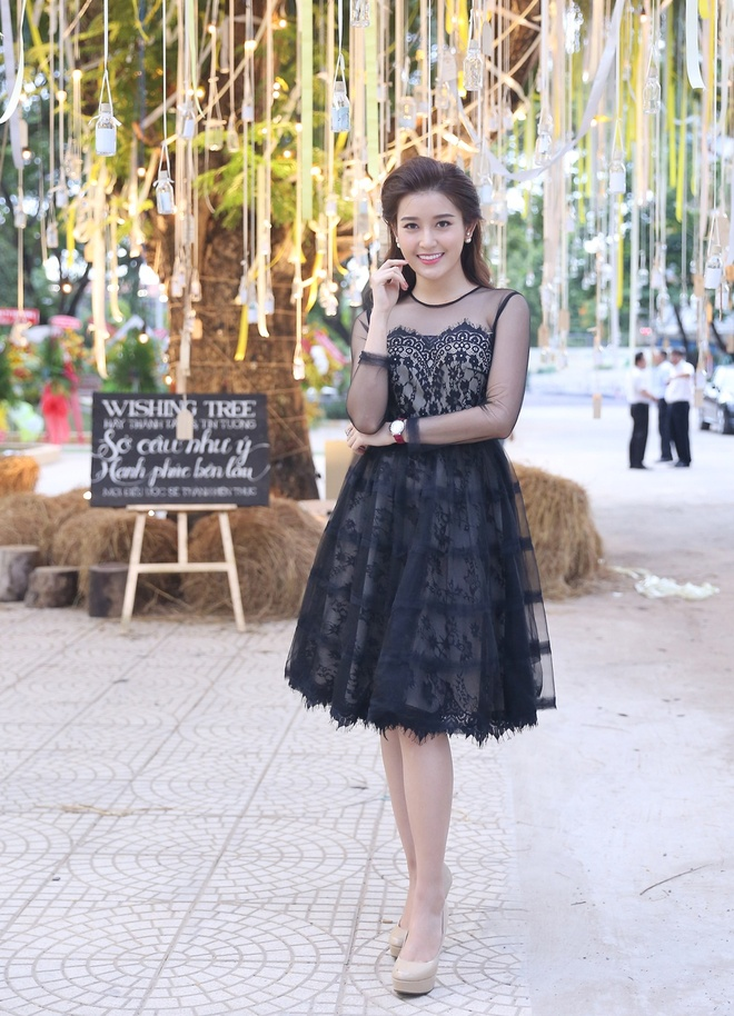 Dan sao Viet khoe sac tai Queen Plaza Ky Hoa hinh anh 4