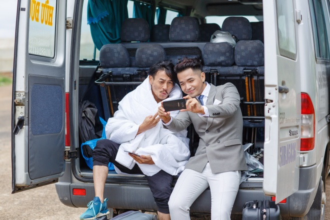 Pham Hong Phuoc tiet lo MV moi qua loat anh phuot hinh anh 5