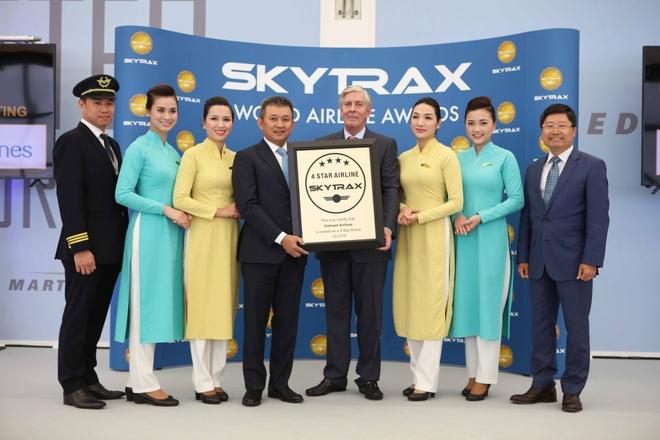 Vietnam Airlines chinh thuc dat chuan hang hang khong 4 sao hinh anh