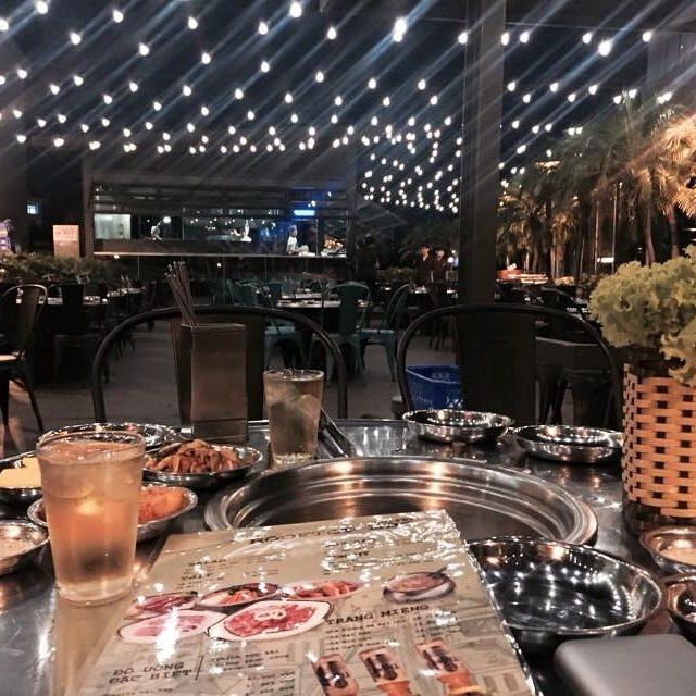 Thuong thuc buffet nuong ngoai troi tai Pho Ngon 37 hinh anh 1