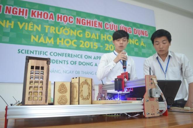 Sinh vien DH Dong A nghien cuu san pham phuc vu du lich hinh anh 1