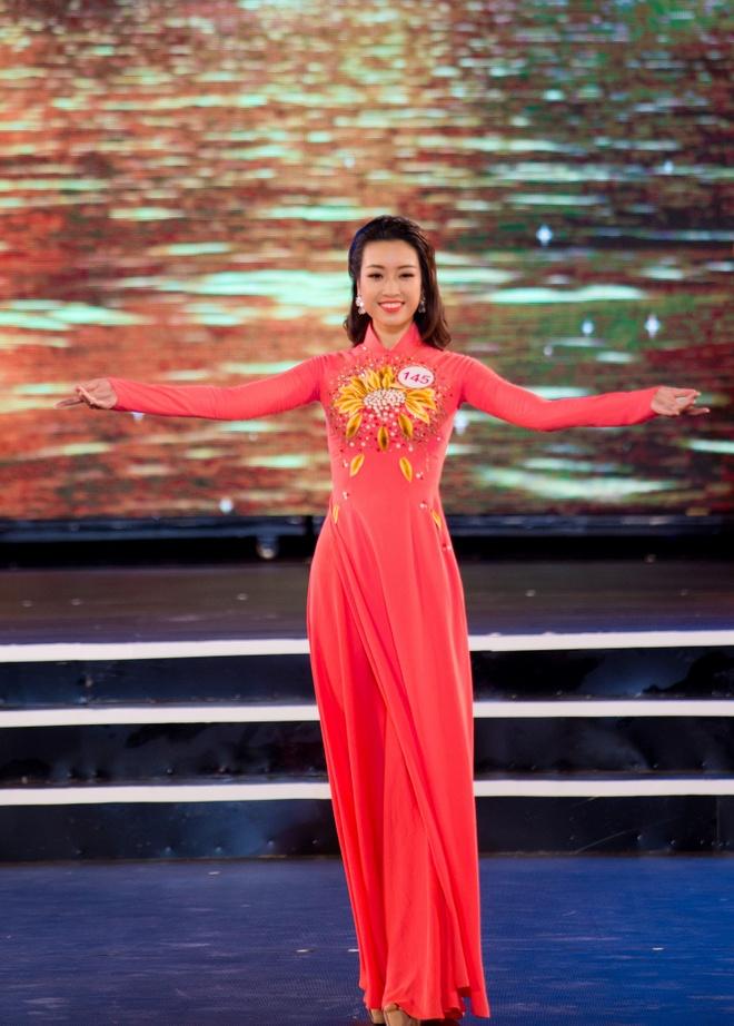 18 dai dien mien Bac trinh dien chung khao Hoa hau Viet Nam hinh anh 2