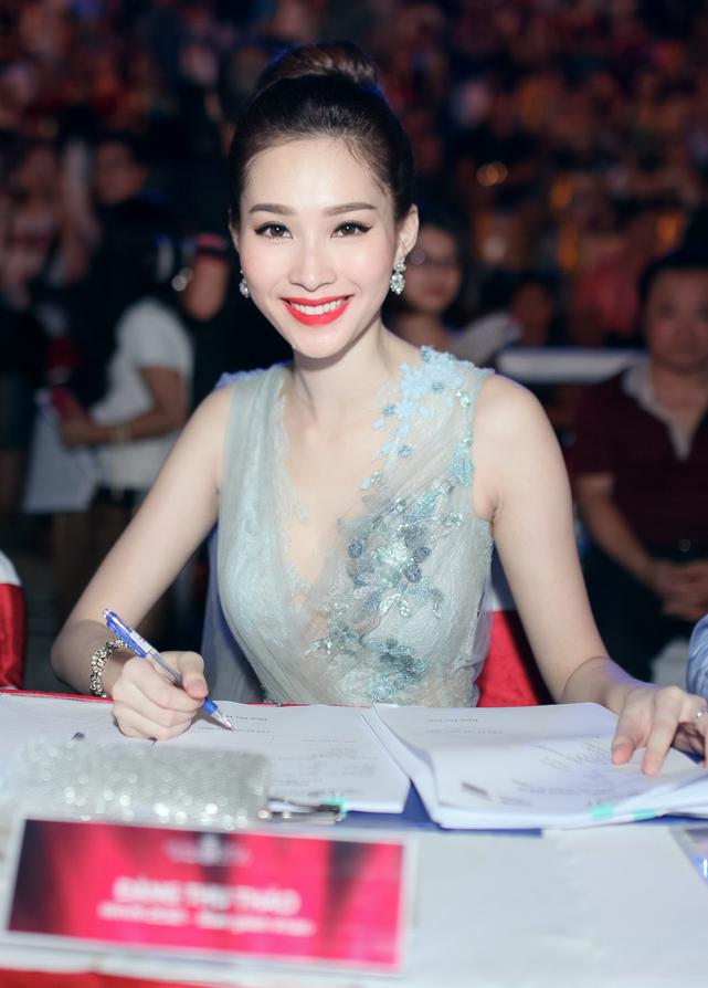 18 dai dien mien Bac trinh dien chung khao Hoa hau Viet Nam hinh anh 7