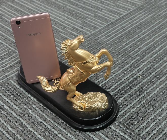 Oppo A37 - smartphone tam trung thiet ke cao cap, selfie dep hinh anh 1