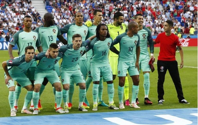 Nhung khoanh khac an tuong cua Euro 2016 hinh anh 1