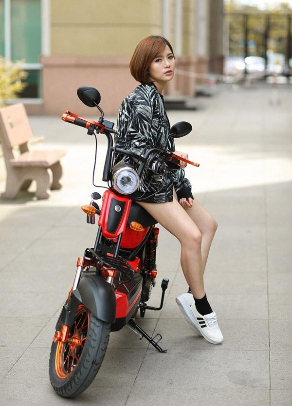 Hot girl Tu Linh quyen ru va ca tinh trong bo anh moi hinh anh 3