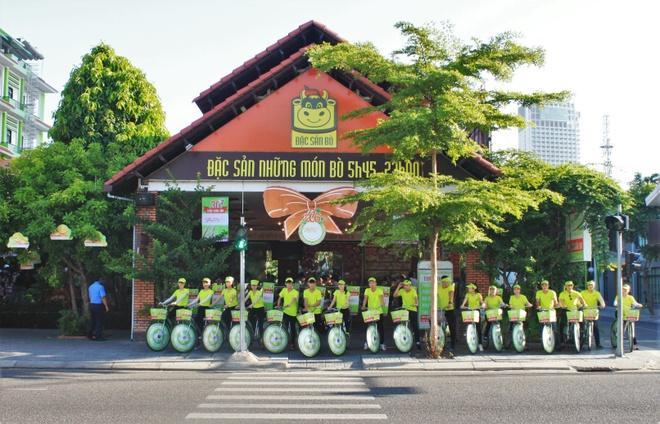 Nguyen Vu dong hanh cung am thuc Tran thap sang tri thuc hinh anh 1