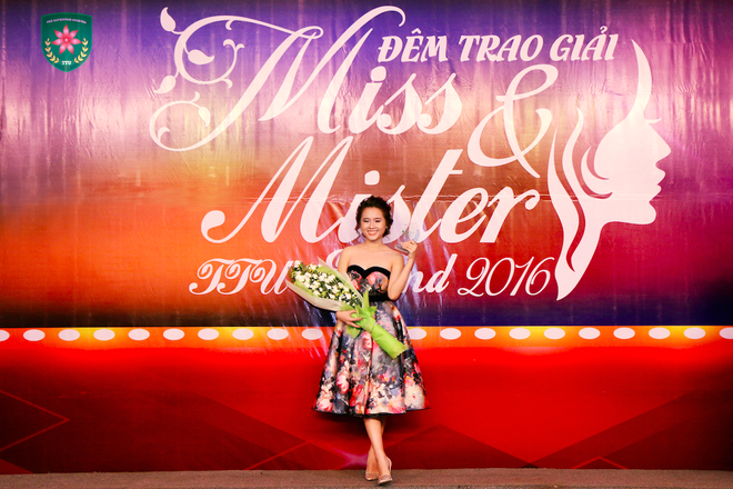 Khoi My trao giai 'Miss and Mister TTU extend 2016' hinh anh 4