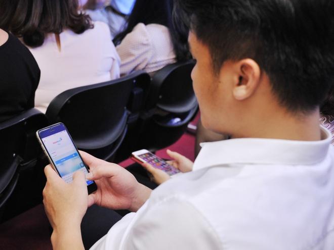 VietinBank ho tro khach hang dat ve may bay qua iPay Mobile hinh anh