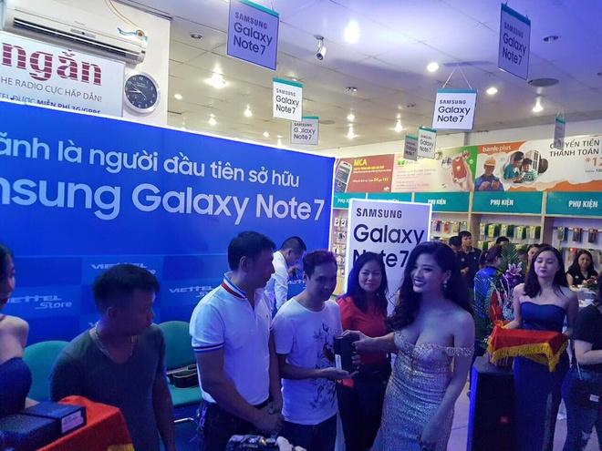 Viettel Store tra truoc 1.500 chiec Galaxy Note 7 cho khach hinh anh 3
