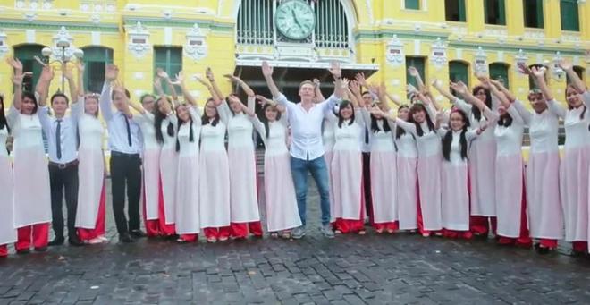 Kyo York, Thai Trinh, Hoa Minzy hoi ngo trong MV moi hinh anh 4
