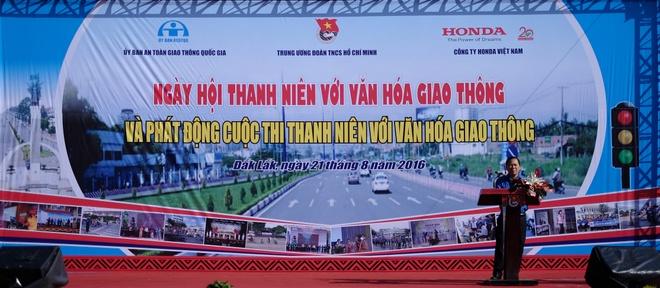 Khoi dong cuoc thi Thanh nien voi van hoa giao thong 2016 hinh anh 3