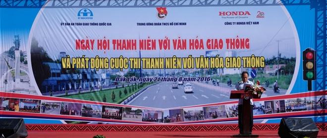 Khoi dong cuoc thi Thanh nien voi van hoa giao thong 2016 hinh anh 4