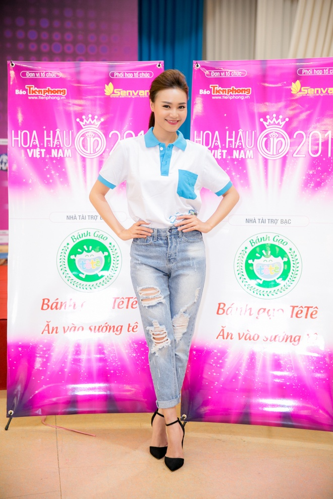 Ninh Duong Lan Ngoc huong dan vu dao cho thi sinh HHVN hinh anh 4