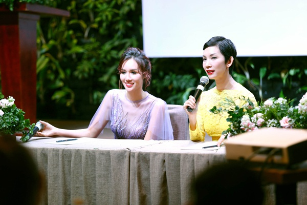Xuan Lan,  Kim Nguyen,  Hoa hau Quy ba chau A 2016 anh 6