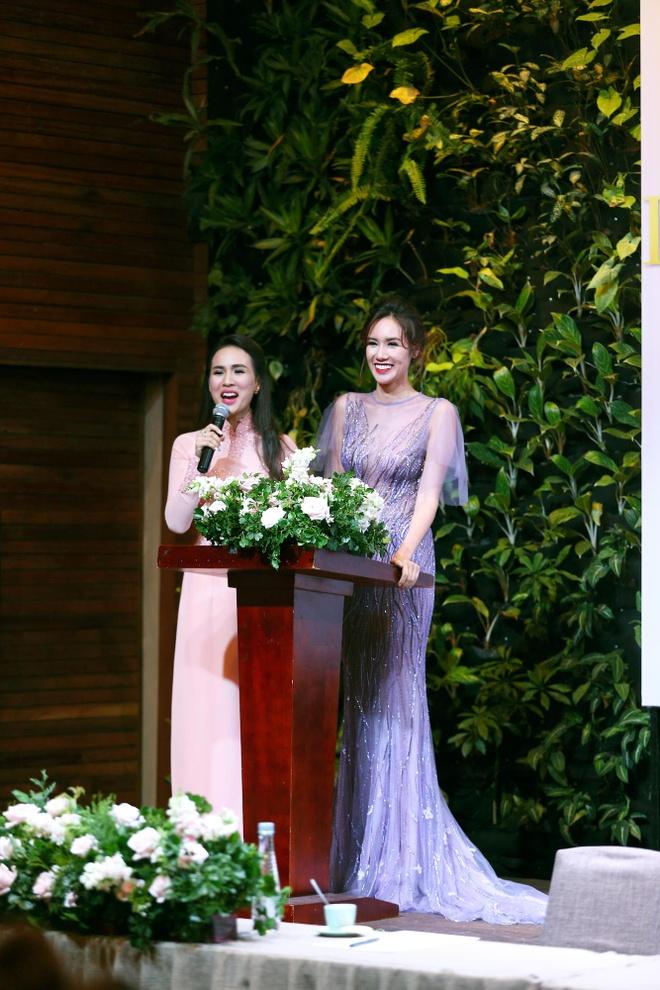 Xuan Lan,  Kim Nguyen,  Hoa hau Quy ba chau A 2016 anh 8