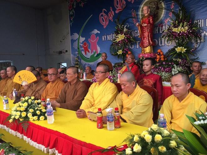 Phi Nhung tham gia le Vu Lan tai tinh Binh Phuoc hinh anh 3