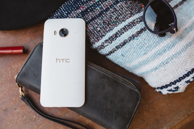 HTC One ME - smartphone tam trung manh ve giai tri hinh anh 1