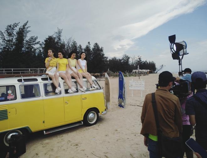 hau truong MV cua Dong Nhi va nhom Hello Yellow anh 2