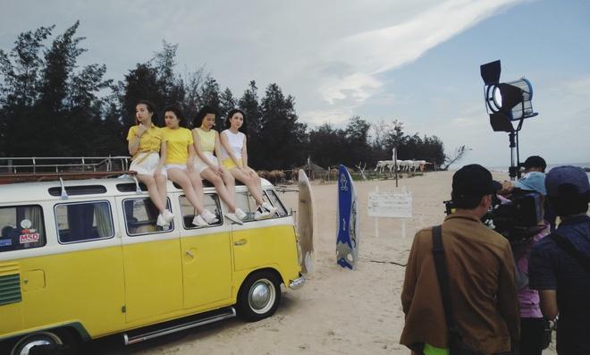 Hau truong MV ngot ngao cua Dong Nhi va nhom Hello Yellow hinh anh