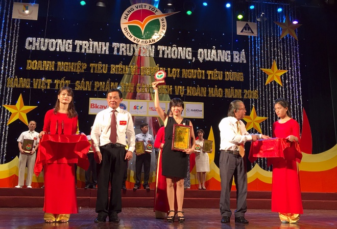 FPT Services dat 'Doanh nghiep tin cay vi nguoi tieu dung' hinh anh 1