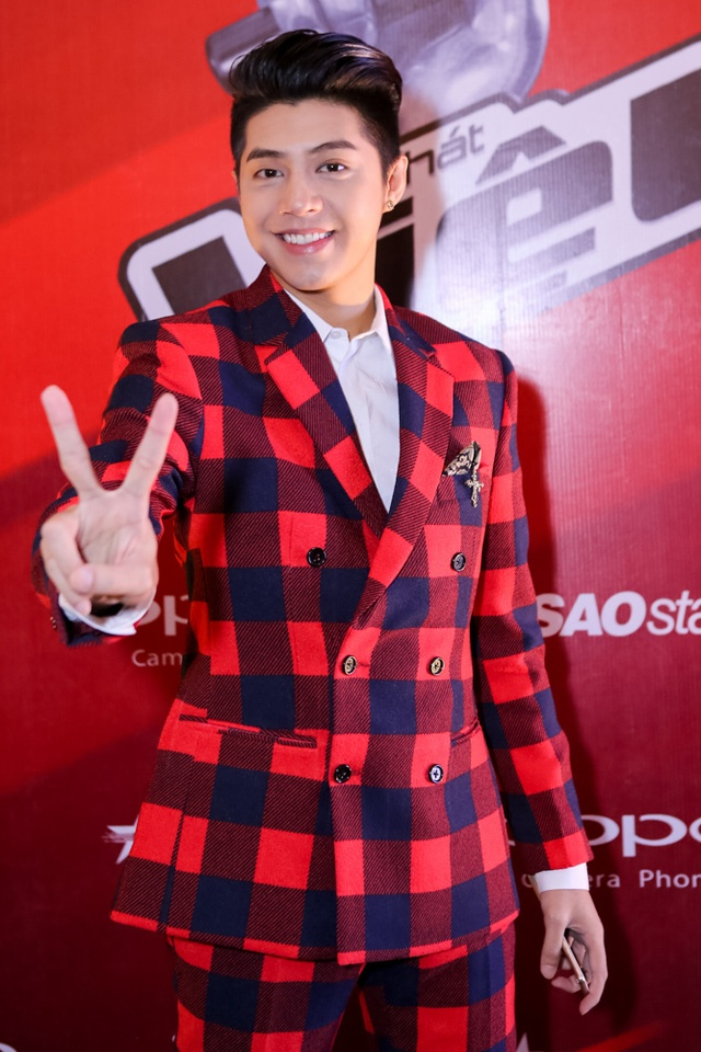 Noo Phuoc Thinh cung hoc tro The Voice Kids don trung thu hinh anh 2