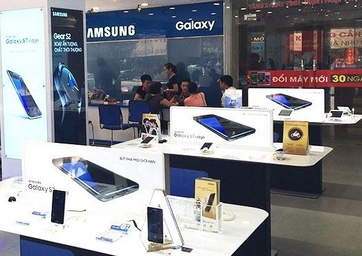 Trai nghiem Galaxy J7 Prime dau tien tai FPT Shop tu 17/9 hinh anh