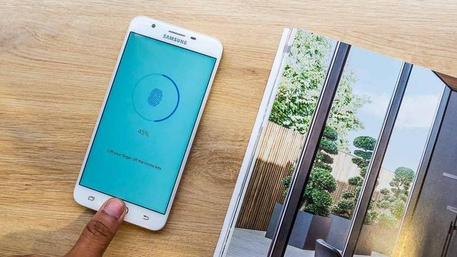 4 smartphone Samsung noi bat trong tung phan khuc hinh anh 2