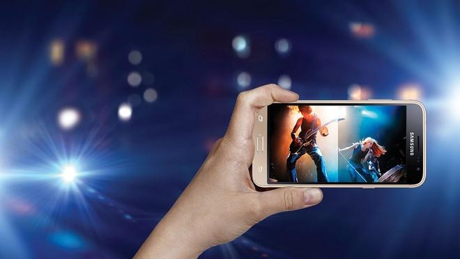 4 smartphone Samsung noi bat trong tung phan khuc hinh anh 1