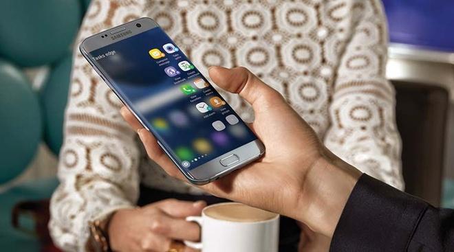 4 smartphone Samsung noi bat trong tung phan khuc hinh anh 4