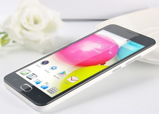 Brahmos 4G: Smartphone An Do tam gia 2 trieu dong hinh anh 1