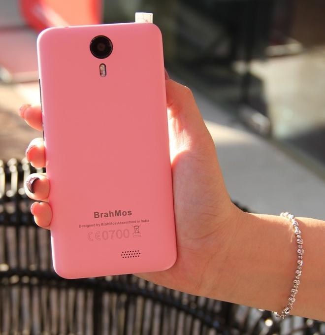Brahmos 4G: Smartphone An Do tam gia 2 trieu dong hinh anh 4