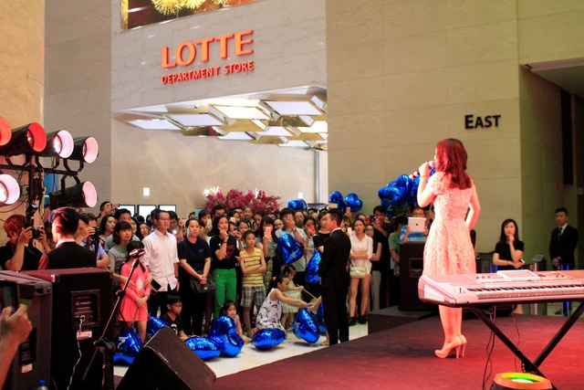 Lotte Department Store anh 1