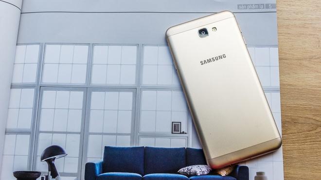 Samsung J7 Prime vua mo ban da thu hut nhieu khach hang hinh anh 2