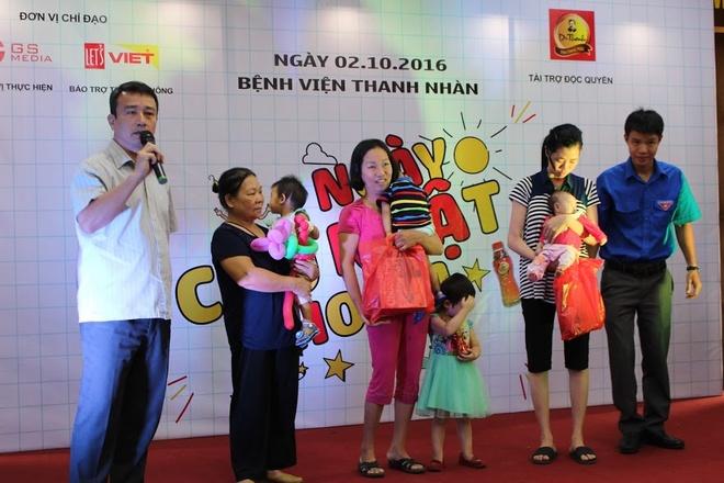 'Ngay chu nhat cho em' tham benh nhi o benh vien Thanh Nhan hinh anh 4